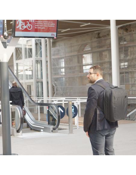 Urban - Sac porté en gare
